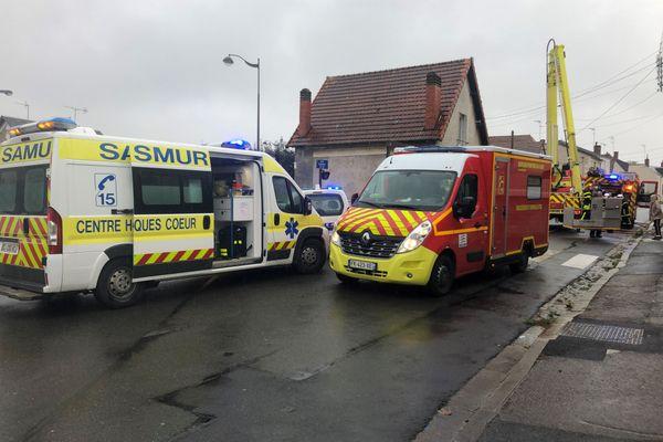 Le feu a pris dans une maison de la rue Diderot, à Bourges, ce mercredi 14 octobre.