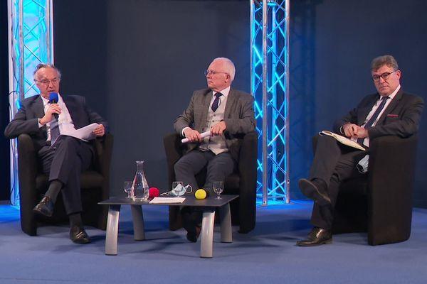 A gauche, Philippe Vallette. A droite Christophe Sirugue, nouveau directeur géneral de Nausicaá