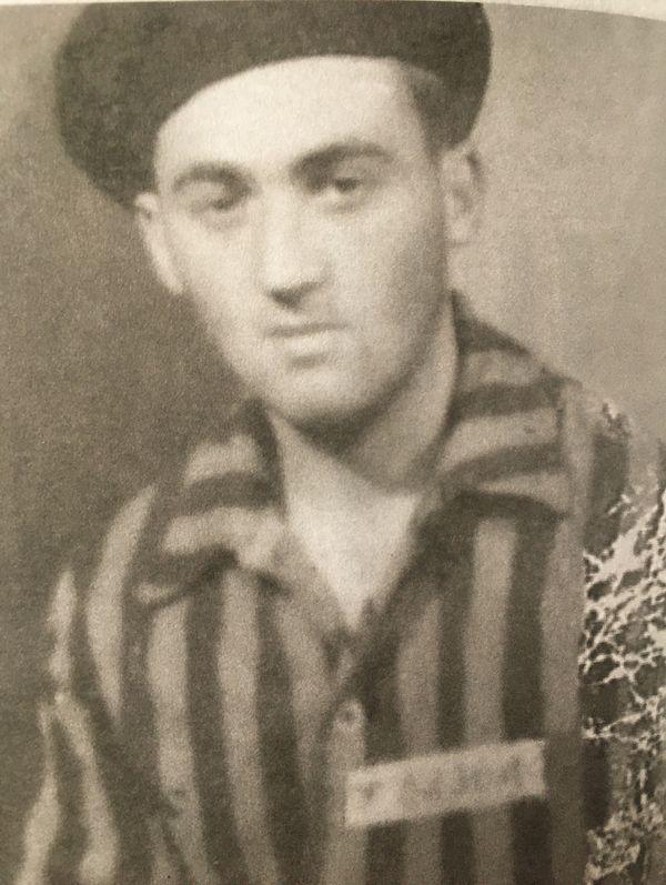 Bernard Duval a passé près de 10 mois en camp à construire des chars allemands.