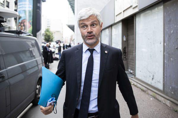 Le président (LR) d'Auvergne-Rhône-Alpes Laurent Wauquiez a accusé lundi 19 juillet l'Etat d'inaction devant les menaces de disparition pesant sur deux entreprises régionales, Luxfer et Ferropem.