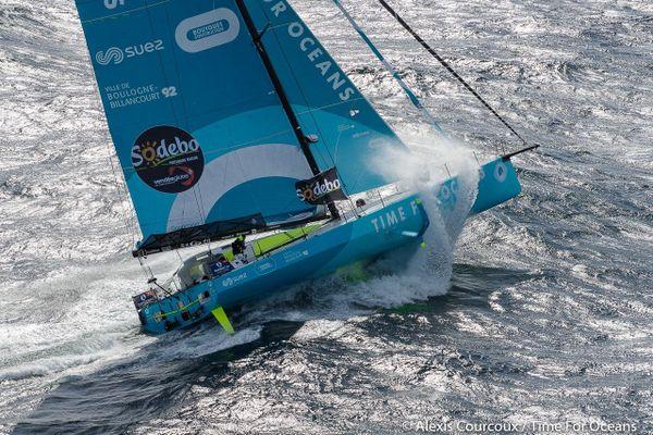 Time for Oceans , le voilier du navigateur Stéphane Le Diraison au départ de la 9 iéme édition du Vendée Globe