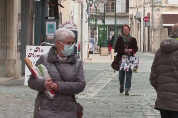 Depuis le 17 mai, le masque n'est plus obligatoire dans les rues de Saint-Jean-d'Angély (Charente-Maritime).