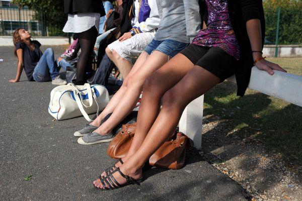 Shorts interdit dans un collège.  Photo d'illustration (archives 2009)