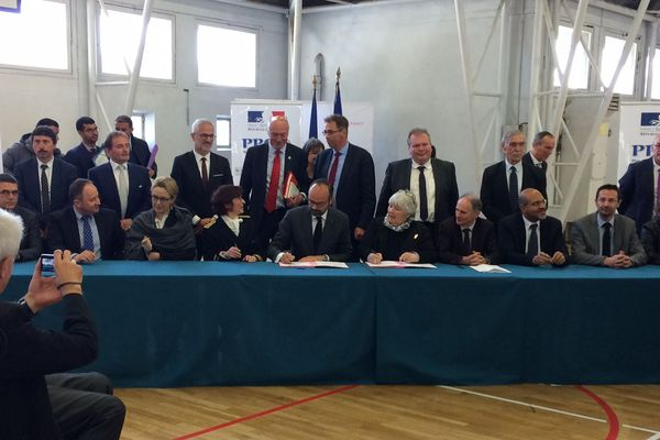 Signature du Plan Particulier pour la Creuse par le Premier ministre, le 5 avril 2019.