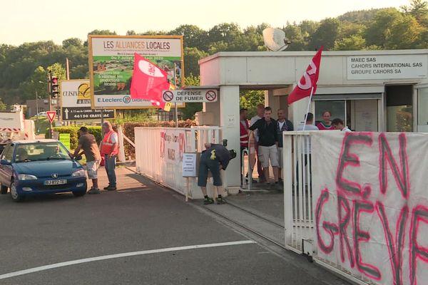 Des salariés de MAEC à Cahors sont en grève. Ils protestent contre un plan social qui prévoit 83 suppressions de postes.