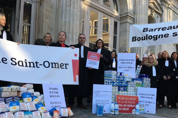 Mobilisation des avocats de Boulogne-sur-mer contre la réforme des retraites