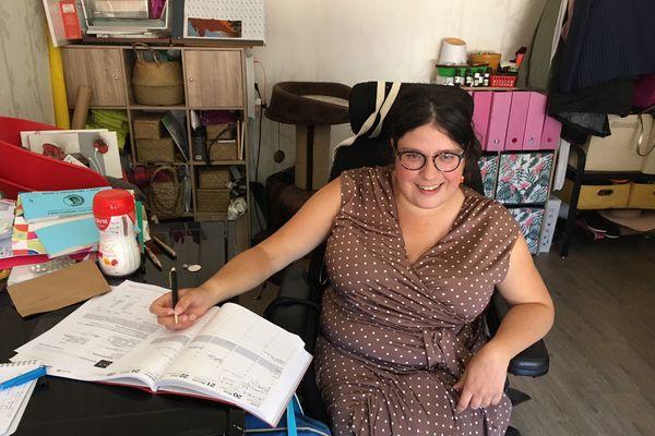 Handicapée de naissance, Claire Floury veut faire reconnaître ses droits.