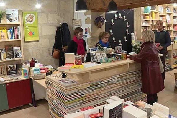 """Une nouvelle """" petite librairie """" a ouvert ses portes à Sommières, dans le Gard - 7 novembre 2018"""