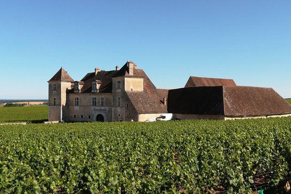 """Le château du Clos Vougeot offre un cadre somptueux au salon """"Livres en vignes"""""""