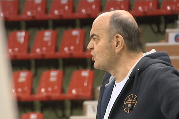 Dusko Vujosevic attend beaucoup de ses joueurs lors de ce match