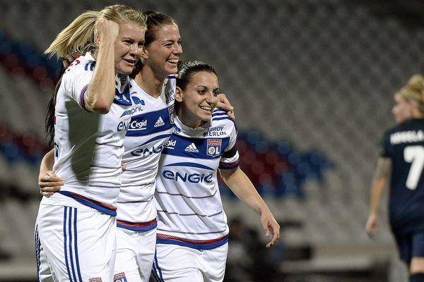 Lyon - Stade Gerland (match retour des 8e de finale de la Women's Champions League) - L'OL féminin rencontrait l'Atletico Madrid. La joie des Lyonnaises après un but.