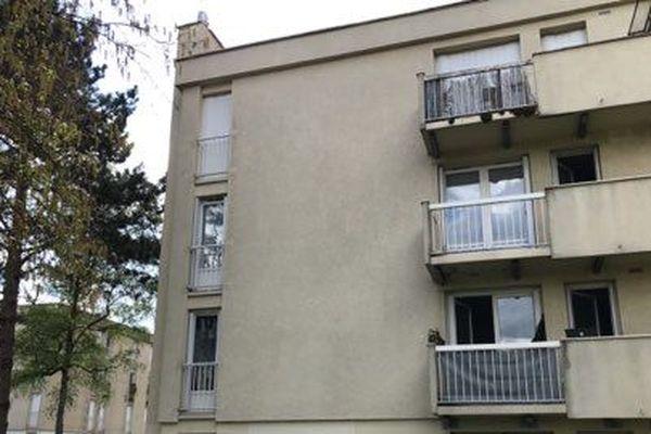 C'est au troisième étage de cet immeuble que le drame a eu lieu à Fismes.(Marne)