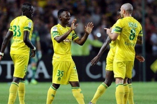 Abdoulaye Touré à gauche de dos