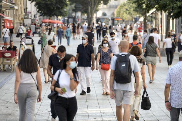 En Auvergne-Rhône-Alpes, le nombre de nouvelles admissions en réanimation a été multiplié par près de 8 en 3 semaines. La métropole de Lyon est le territoire le plus touché.
