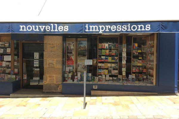 """La librairie """"Nouvelles Impressions"""" de Dinard que dirige Thierry de la Fournière"""