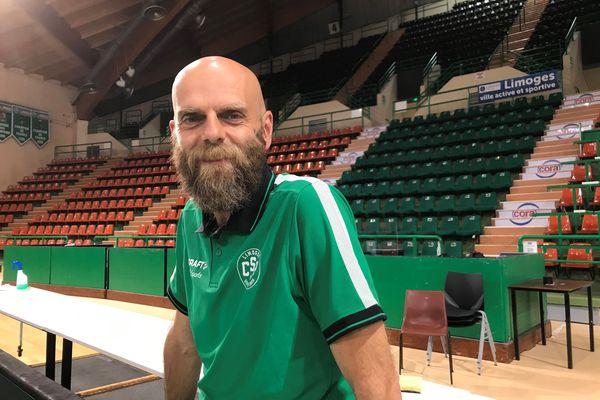 Le nouveau coach a été présenté ce mardi 6 juillet 2021 au palais des sports de Beaublanc