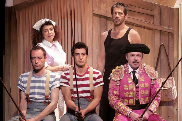 La famille Ortiz avec Isabelle de Botton, Bernard Malaka, Stéphane Dauch, Kamel Isker et Antoine Guiraud (photo)