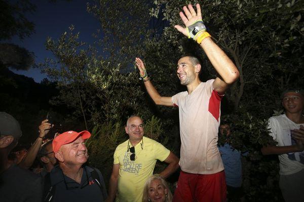 Samedi 26 juin, Lambert Santelli a battu le record de la traversée du GR20. Il affiche un chronomètre de 30 heures et 25 minutes.