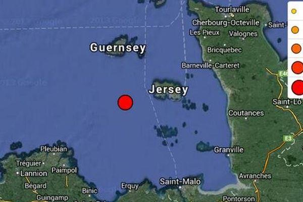 l' épicentre du séisme de Ce 11 juillet 2014 , selon la carte du Réseau National de Surveillance sismique. Entre Jersey et Paimpol, en bretagne, en pleine mer.