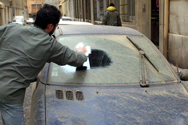 Des pluies sableuses s'abattent sur notre région laissant une fine particule de sable sur certaines voitures - 23 avril 2019