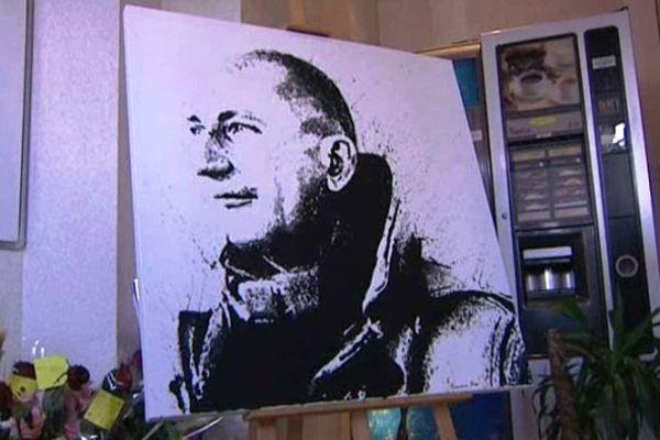 Ce portrait a été peint en hommage à Fabian Stech. C'est l'un de ses élèves, Romano Rossi qui l'a réalisé.