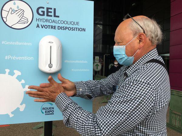 Gel hydro-alcoolique, distances de sécurité, écran en plexiglas, port du masque : les mesures anti-Covid sont appliquées à la Foire internationale de Rouen 2020