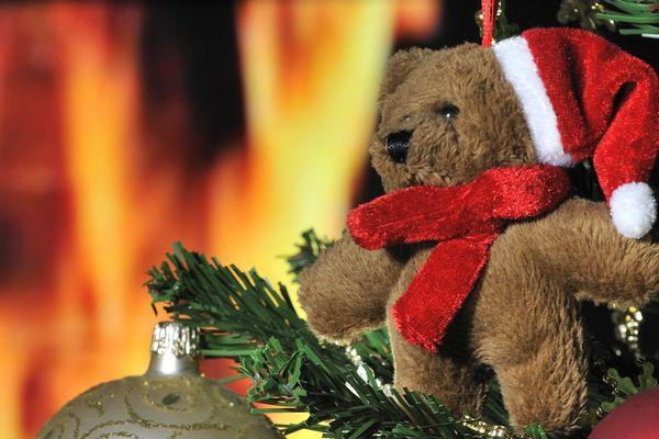 Le feu de cheminée que l'on éteint le soir de Noël dans la tradition niçoise.