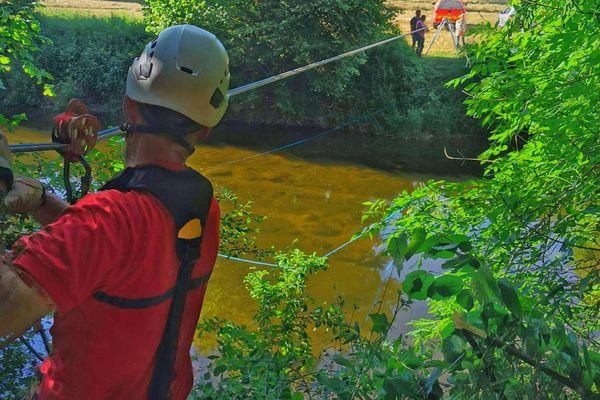 Aveyron : intervention du GRIMP après la découverte du corps d'un jeune homme de 21 ans dans un bois à Olemps - 16 juin 2021.
