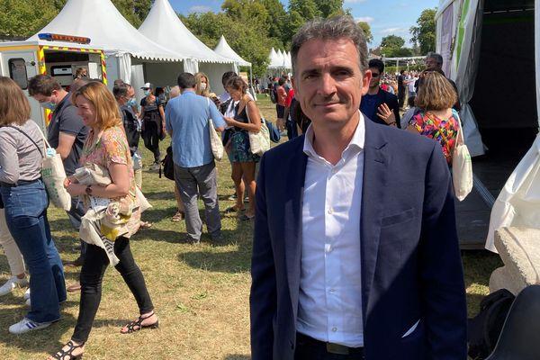 Eric Piolle, maire de Grenoble, vendredi 20 août 2021, aux Journées d'été des écologistes. Il est l'un des cinq candidats à la primaire des écologistes en vue de la présidentielle.