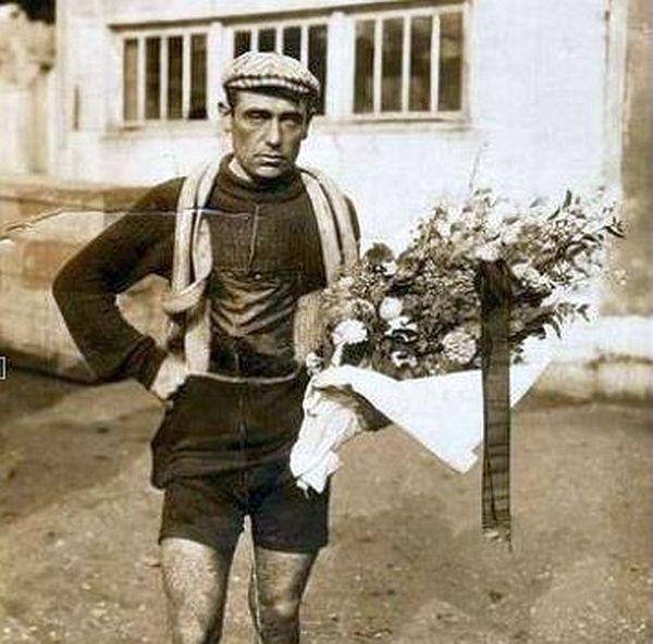 Eugène Christophe photographié en 1919 lors du Tour de France.