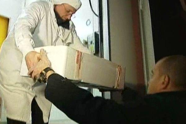 Castelnaudary (Aude) - perquisition et relevés d'échantillons de la direction de la protection des personnes (DDPP) et des fraudes (DGCCRF) chez Spanghero - 12 février 2013.