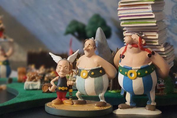 Uderzo, en Obélix, aux côtés de ses créatures.