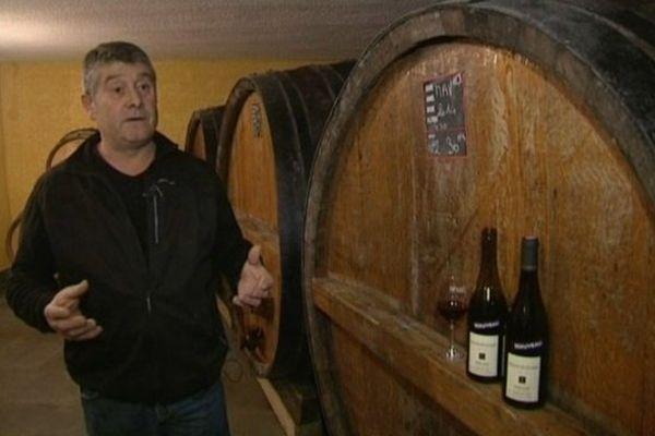 """Pour Lucien Lardy et tous ces collègues vignerons, l'opération """"Beaujolais nouveau"""" est une belle vitrine."""