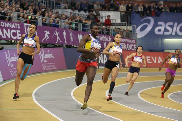 Brigitte Ntiamoah, championne de France du 200 mètres en salle en 2015, est médaillée de bronze cette année à Liévin