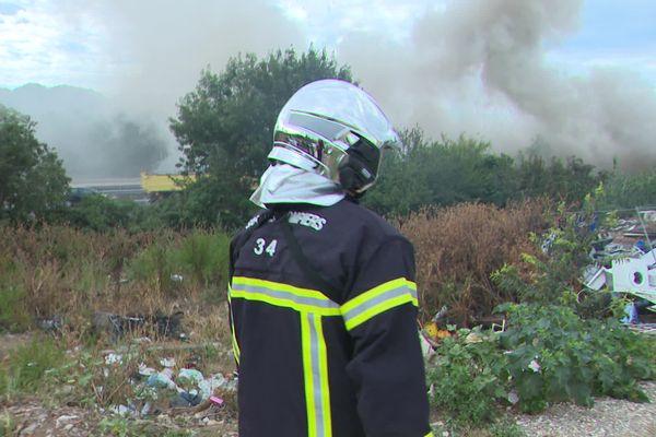 Vingt sapeurs-pompiers ont maîtrisé un incendie dans un camp de Roms à Montpellier - jeudi 5 août 2021