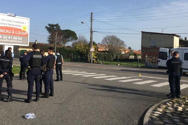 Les forces de l'ordre ont fermé l'accès à la route de Toulouse à Cugnaux.