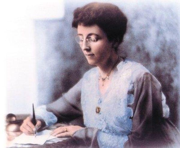 Portrait de la romancière canadienne Lucy Maud Montgomery