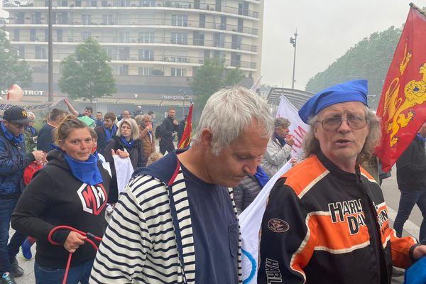 Près de 400 manifestants en route vers la préfecture à Caen (Calvados), samedi 19 juin 2021.