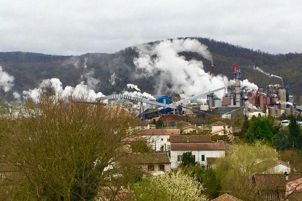 Le projet de transformation de l'usine de papier Fibre Excellence de Saint-Gaudens n'est pas si vertueux que ça, selon les écologistes.