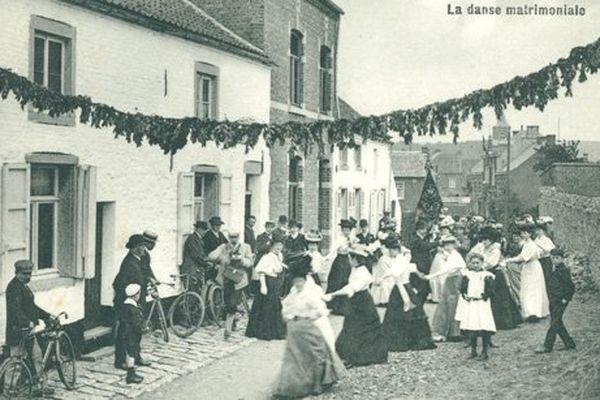 L'un des tous premiers goûter matrimonial, en 1908.