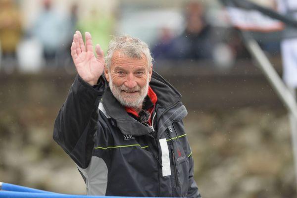 Jean-Luc Van den Heede à son arrivée de la Golden Globe Race aux Sables d'Olonne, le 29 janvier 2019