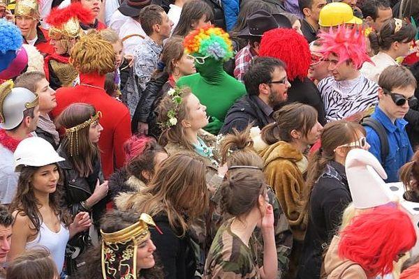 Défilé du carnaval des étudiants de Caen 2013