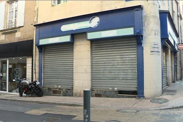 Le magasin vendant des produits à base de chanvre est installé dans l'ancienne Maison de la Presse de la Grand Rue à Poitiers.