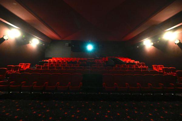 Retournerons-nous au cinéma, après avoir passé des mois à en être privés ? Les professionnels veulent y croire, le psychiatre que nous avons rencontré en est certain.