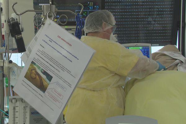 A l'heure actuelle, huit patients touchés par la Covid-19 sont hospitalisés au service de réanimation du CHU de Poitiers