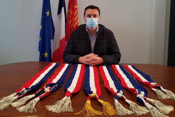 Laurent Jaoul, maire de Saint-Brès (Hérault), se dresse contre les décisions du gouvernement dans la gestion sanitaire contre le coronavirus.