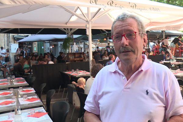 Régis Cousinié, devant son restaurant à Montpellier, samedi 15 août 2020.