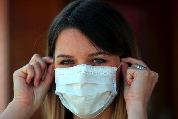 Ces masques seront vendus en grande surface et dans les pharmacies dès le 4 mai prochain.