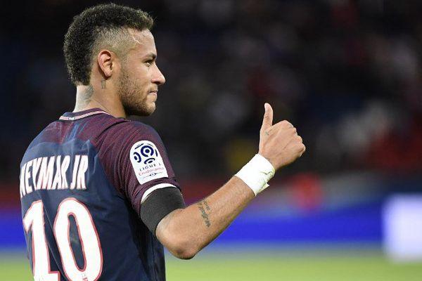 Neymar, auteur de deux buts sur six dimanche face au Toulouse Football Club.