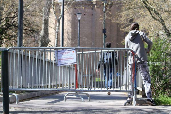 Encore trop de monde dans les rues de Toulouse malgré les mesures de confinement liés au coronavirus